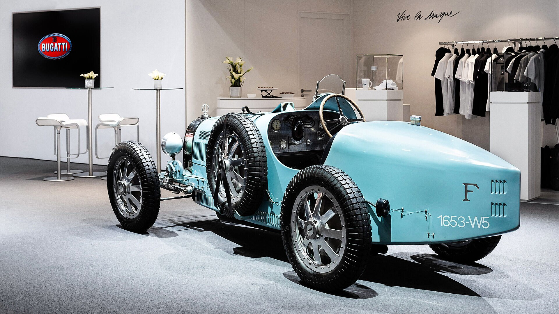 [Translate to Français:] Bugatti Veyron Grand Sport, Rétromobile Paris, 2020